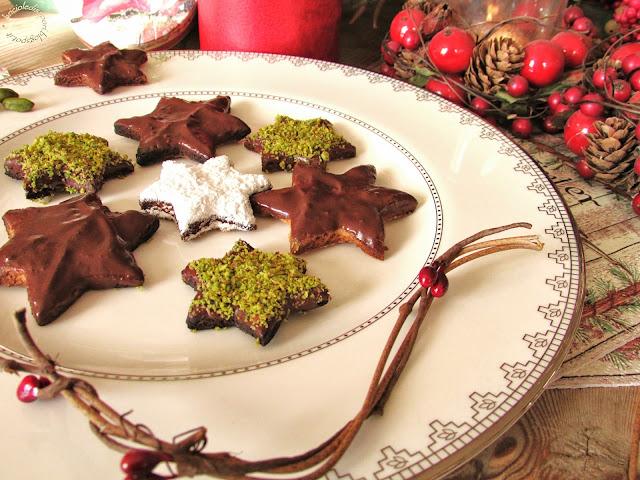 polvere di stelle per festeggiare un natale così speciale... biscotti con cioccolato e pistacchi