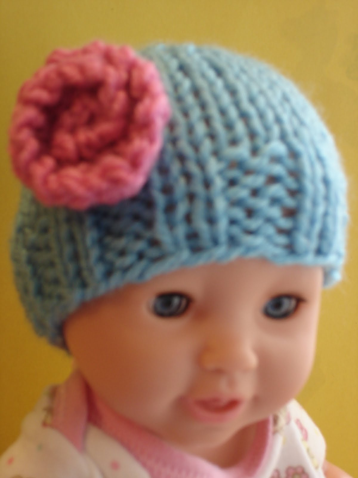Free Knitting Pattern For Baby Hats : Fiber Flux: Free Knitting Pattern...Baby Doll Hats!