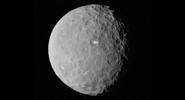 Dua Titik Terang Misterius Terlihat di Ceres, Ini Penjelasan Ilmiahnya