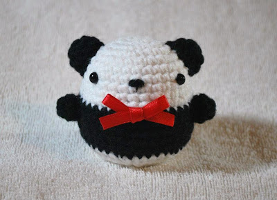 Knitting and Crochet Patterns: Ling-Ling the Panda African
