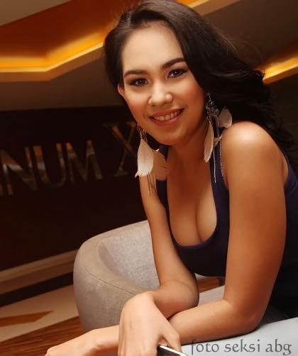 Foto Seksi dan Cantik Artis Kartika Putri Hot fotokartikaputrisexy