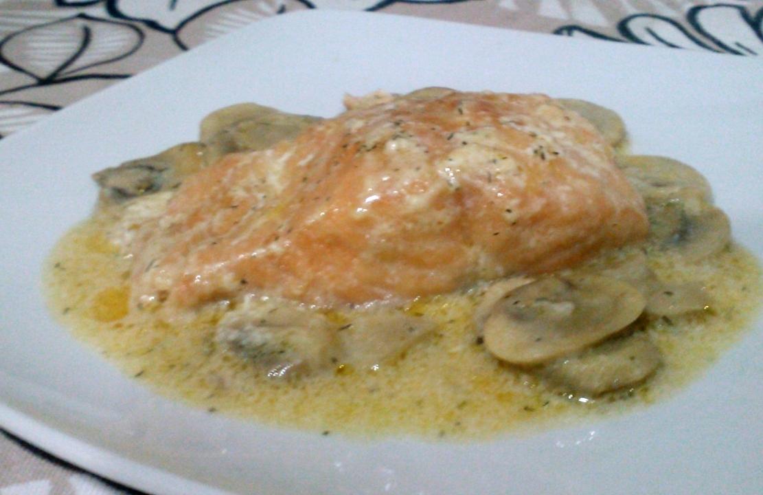 La mesa de la cocina salm n con nata y champi ones - Salmon con champinones ...