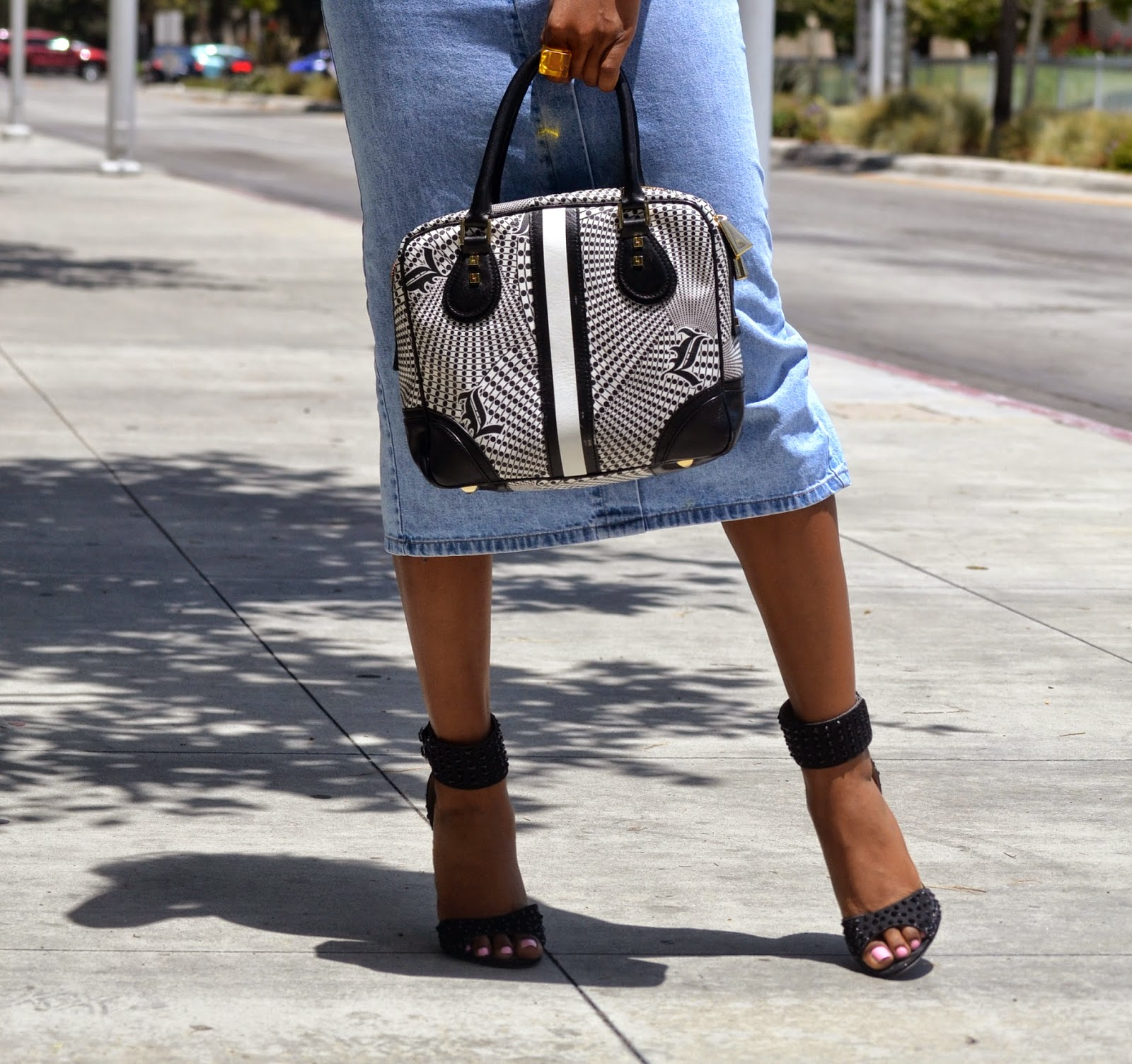 how-to-style-a-denim-skirt