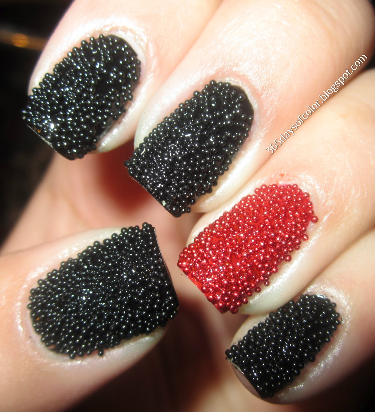 Маникюр ногтей с блестками на наращенные и короткие ногти. Как сделать 92