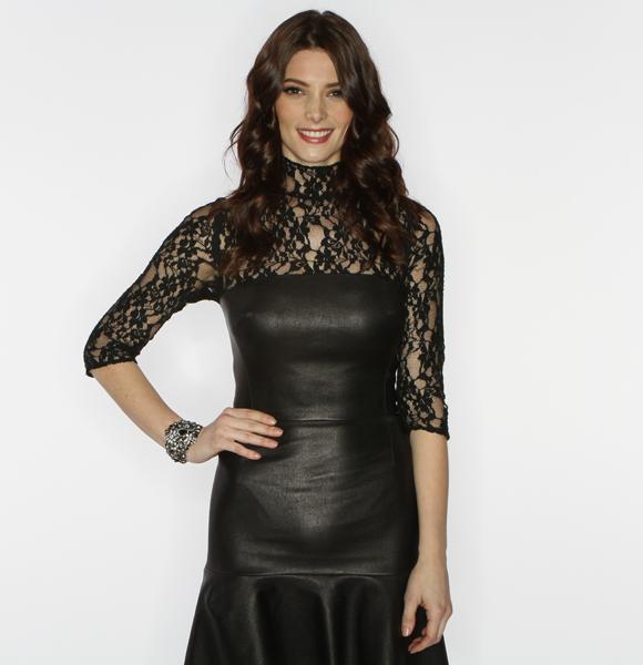 People's Choice Awards 2012. ( Avec Zachary Levi.) Ashley-wonderwall-1