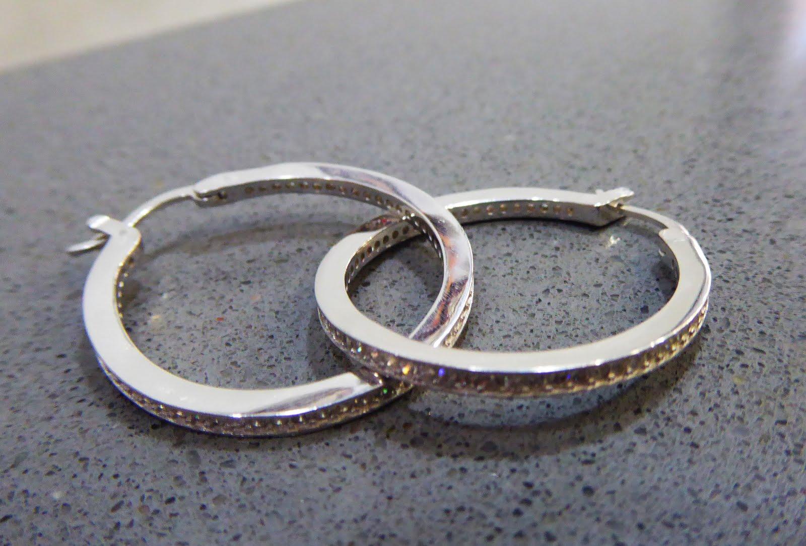 Pendientes de plata con circonitas modelo aro