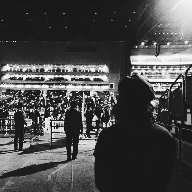 27.02.15, harry styles, japan, one direction, otrat backstage, tokyo,black and white, instagram