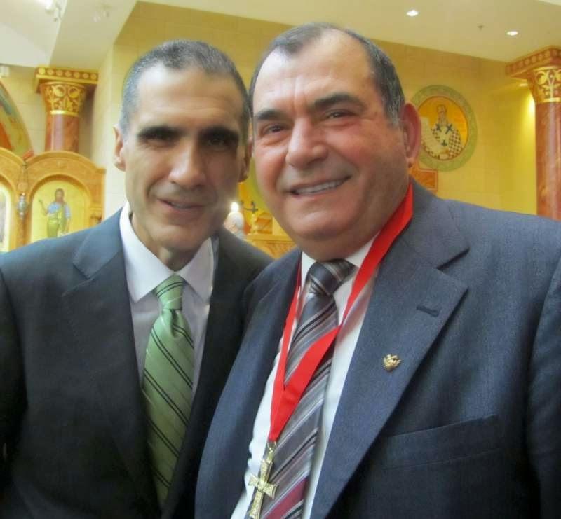 Ο Άρχων του Πατριαρχείου κ. Δημήτρης  Τσατσαρώνης με τον κ. Δημήτρη Αζεμόπουλο