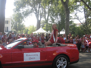 Emily McLaughlin '08 Named Homecoming Queen at the University of Alabama 2
