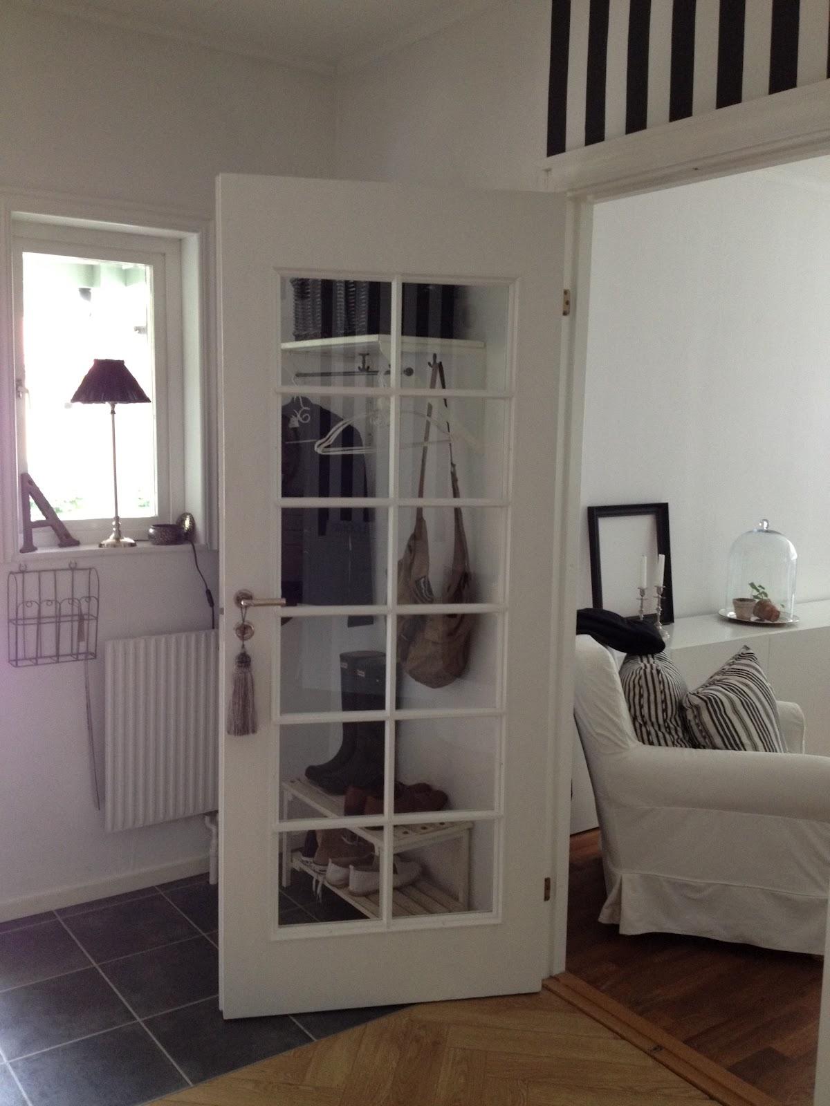 Homeby lotta: hallen i svart och vitt!