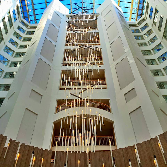 A traveler's look at the Grand Hyatt Washington D.C. Full-service, four-star hotel in a prime downtown D.C. location.  Travel bloggers Leigh Powell Hines gives you the inside scoop on a stay in the hotel.