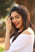 Adah Sharma glamorous photos-thumbnail-10