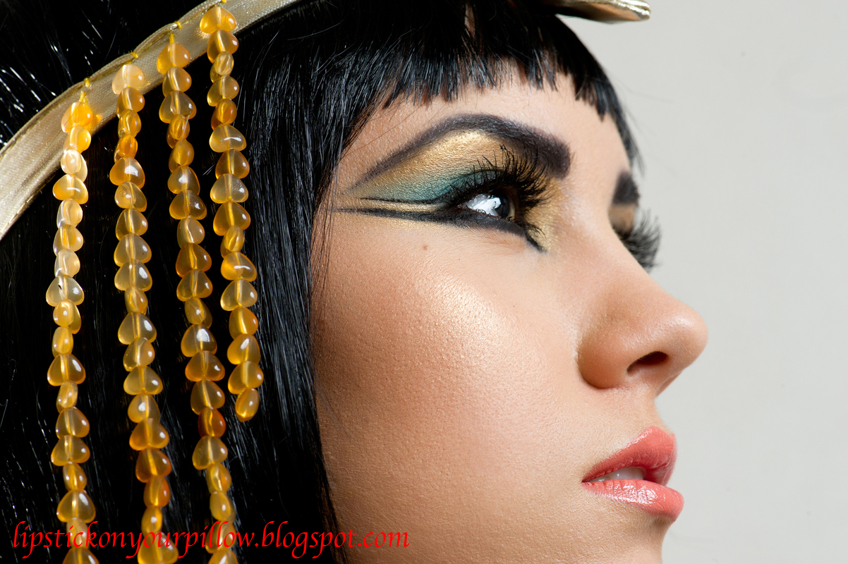Cleopatra eye makeup 2