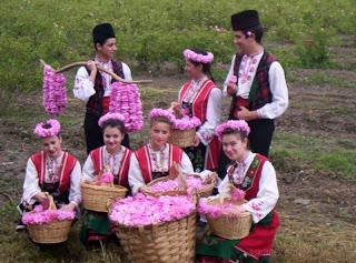 Merayakan Mawar Emas di Bulgaria 4