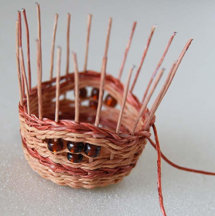 Плетение корзинок из проволоки своими руками 83