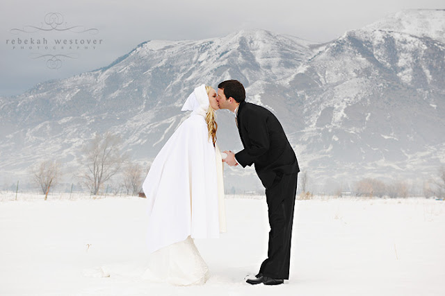 Lovable winter bride and holiday prep