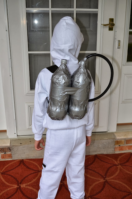 quick homemade astronaut costume - photo #25