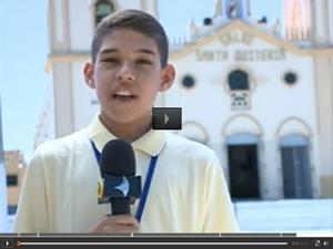 Menino de 12 anos já é considerado jornalista no interior do Ceará