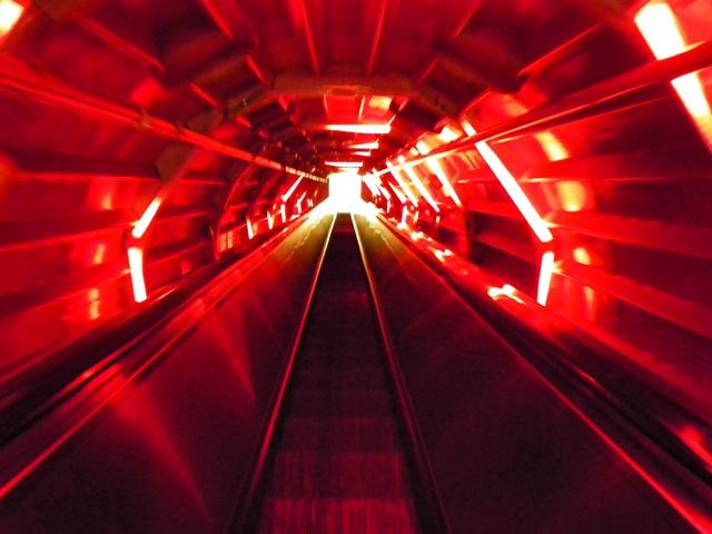 El pasillo de Star Wars que hay en el Atomium de Bruselas