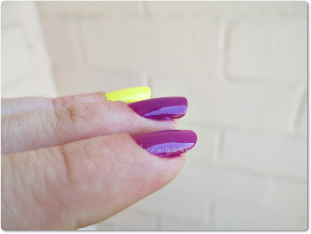 5 esmaltes neones de temporada - Tropical Nails de Cazcarra