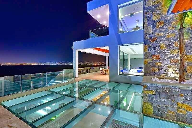 Casa de playa en isla creta con impresionantes vistas al for Casas modernas con piscina interior