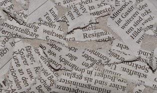 foto di giornale strappato carta straccia