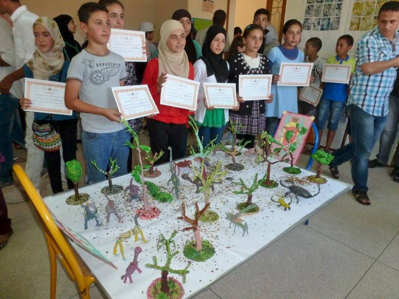 الثانوية الإعدادية آيت قمرة بنيابة الحسيمة تحتفي بمتفوقيها ونواديها التربوية في حفل مدرسي متميز