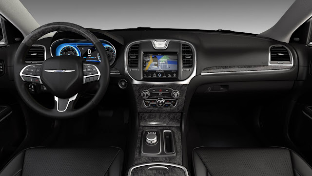 Novo Chrysler 300C 2015 - interior