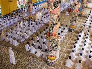 Religious fusion in Vietnam