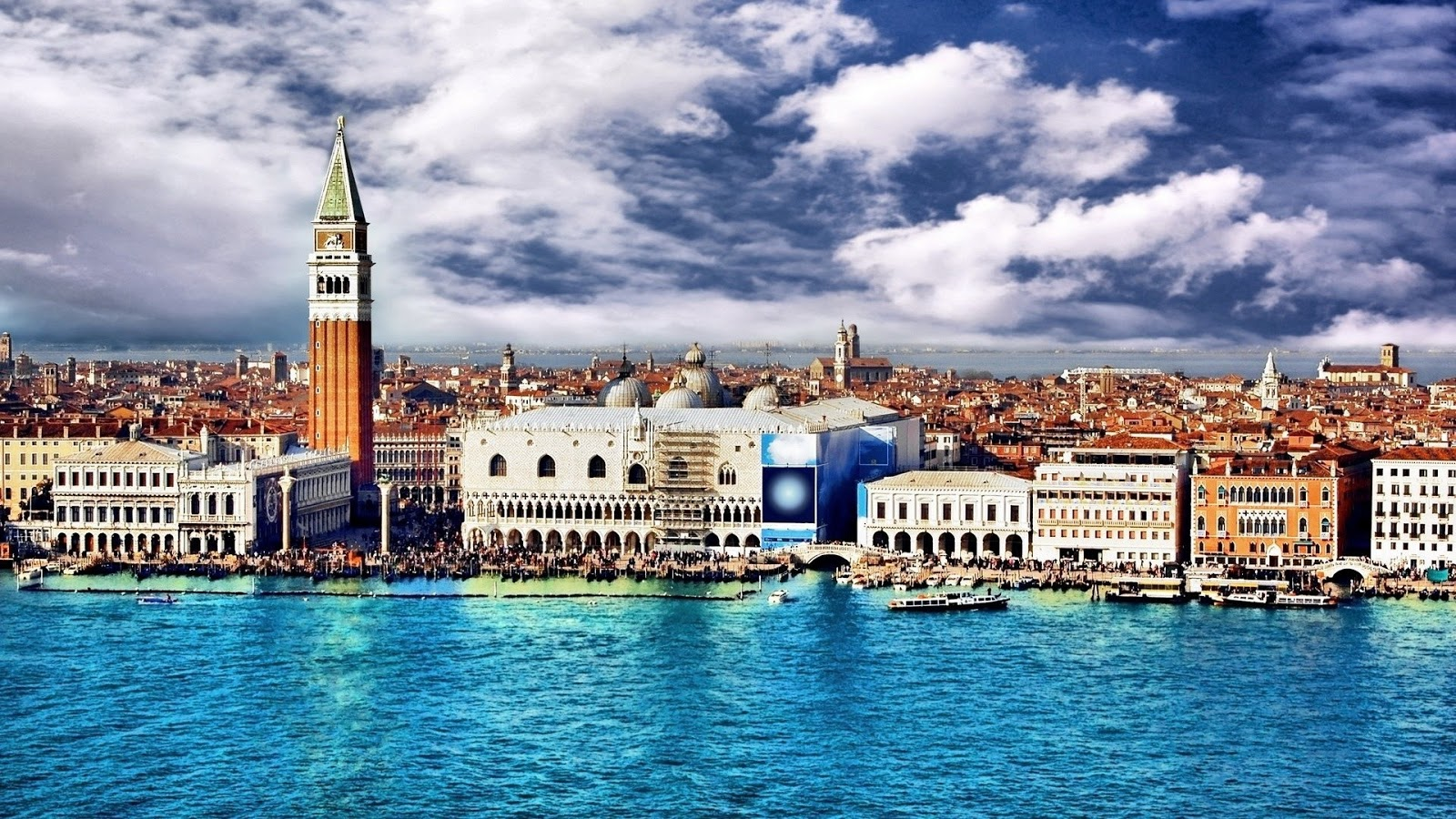 Student travels venice italy for Wallpaper italia