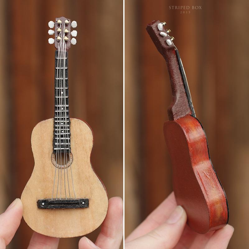 Гитара для куклы