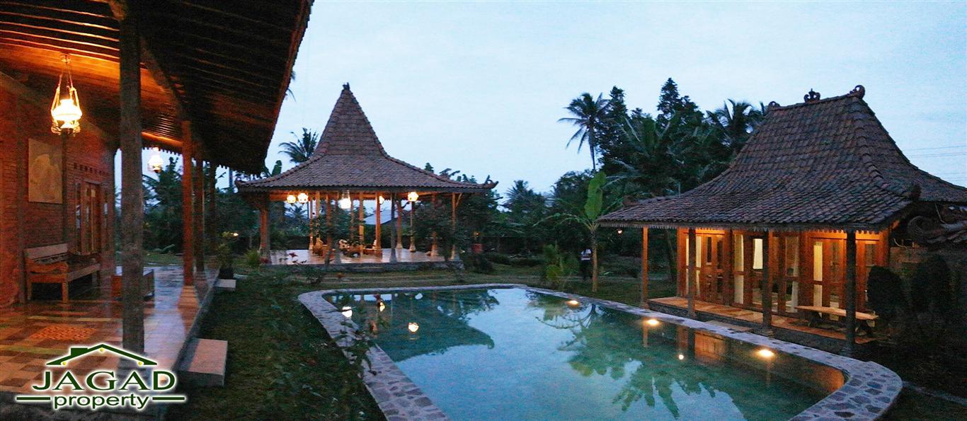 Villa Etnik Mewah  dan Kolam Renang
