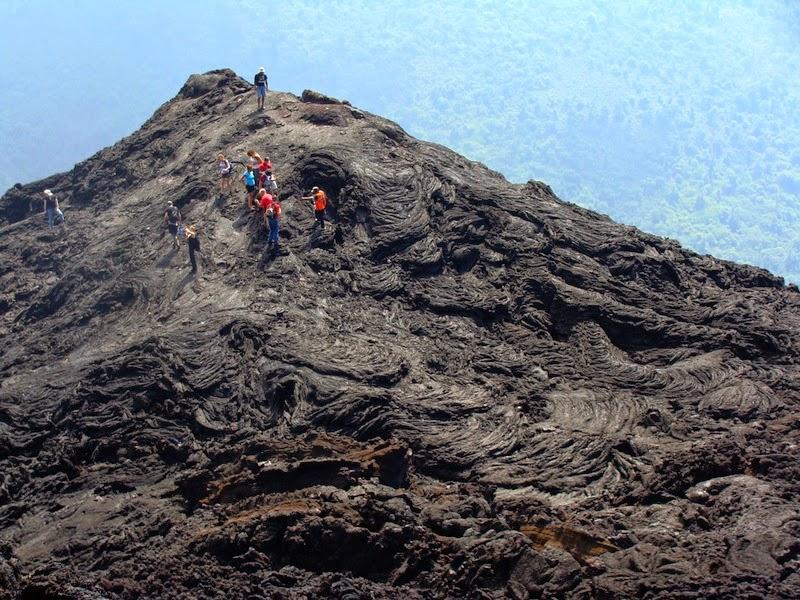 vista desde el volcan pacaya guatemala