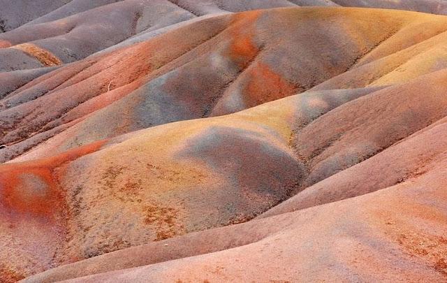 أرض السبعة ألوان في جزيرة موريشيوس '' بالصور ''   6