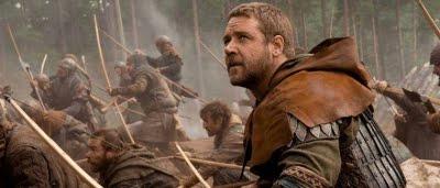 Robin  Longstride (Russell Crowe) en pleine bataille dans Robin des Bois (2010)