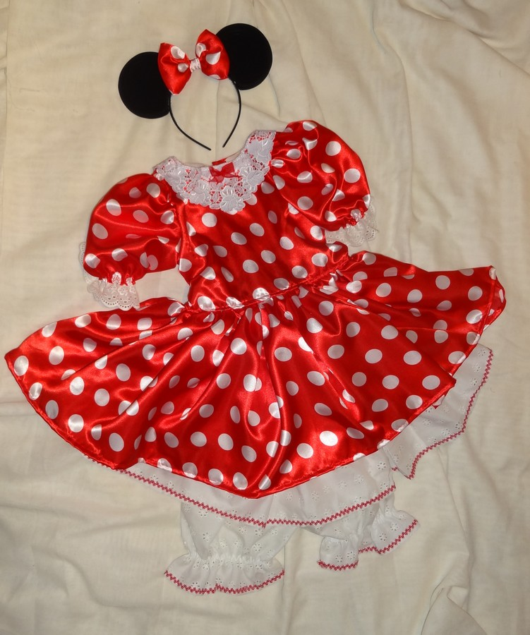 Robe a petit pois rouge