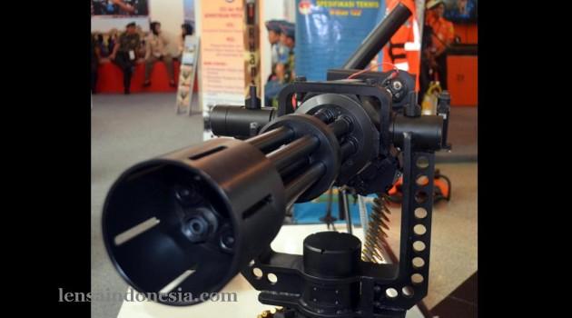 Pindad Dislitbang TNI-AD Kembangkan Senjata Mesin Multi Laras (SMML)
