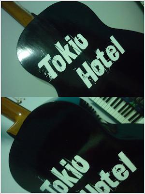 """Guitarra de un fan de """"Tokio Hotel"""" Gt"""