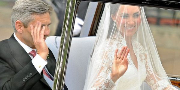 kate middleton wedding gown image. of Kate Middleton for her