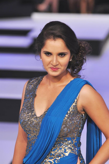 Sania Mirza New Cool Photos at a Fashion Show