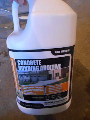 Concrete bonding additive