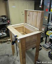 Rustic Outdoor Cooler Stand - Wood Pallet