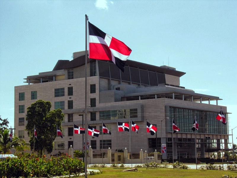 Suprema Corte de Justicia. Foto tomada de: http://www.queesnoticia.com/wp-content/uploads/2014/06/Fachada-Suprema-Corte-de-Justicia-Dominicana.jpg