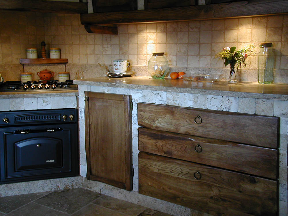 Design italiano by berga cozinhas e zona churrasqueira - Cucine muratura rustiche in pietra ...