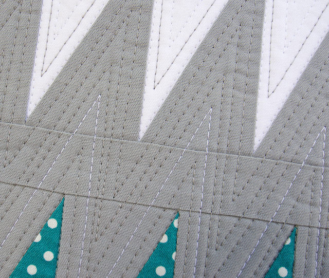 Jagged Chevron Mini Quilt ~ Quilting Detail | Red Pepper Quilts