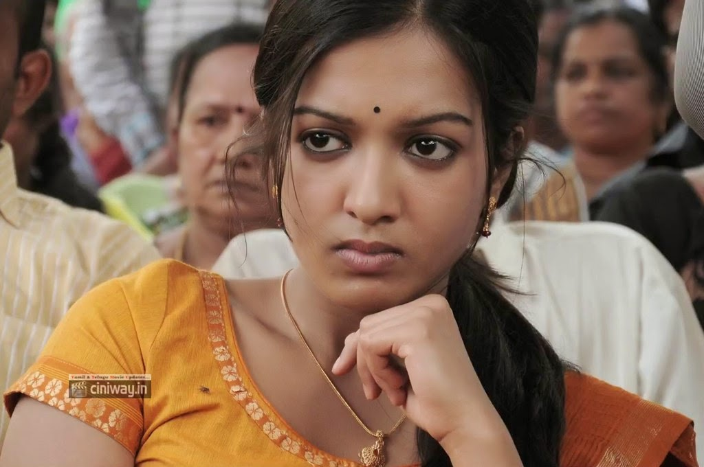 Madras-Movie-Heroine-Catherine-Tresa-Stills