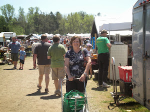 Shopping Cedarburg Flea Market