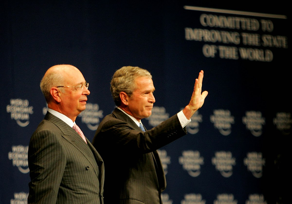Klaus Schwab & George W. Bush 08-05-18.