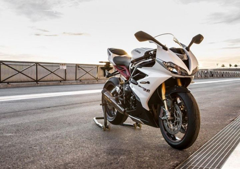 Triumph Daytona 675R Features and Price