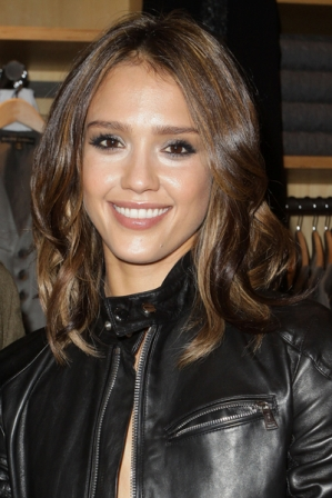 Jessica Alba Naturally Curly Hair